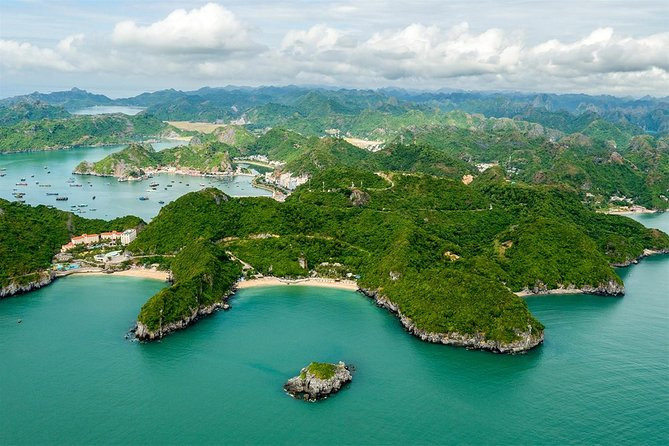 Discover Lan Ha Bay Luxury Tour With Kayaking and Delicious Lunch on Boat photo 4