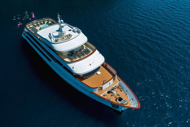 Adriatic Paradise Cruise by Yolo - from Split