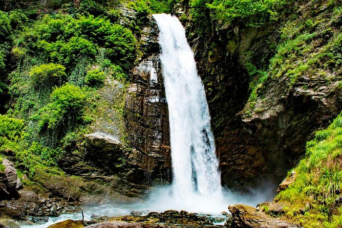 Kakheti Tour: Signagi + Bodbe Monastery + Gurgeniani Waterfall