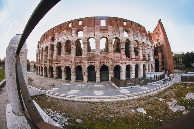 Rome: Colosseum Skip-the-Line Tour with Entry to Roman Forum