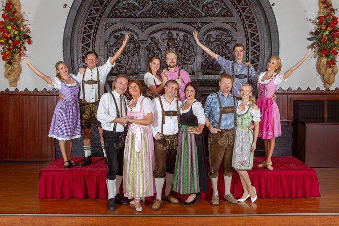 Skip the Line: Austrian Dinner Show Ticket in Vienna