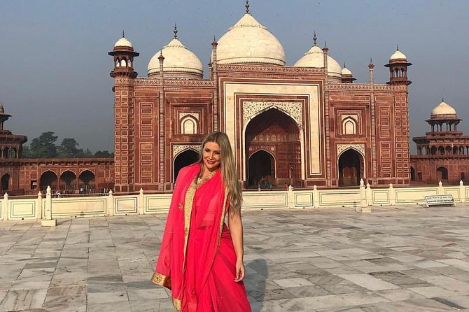 Day trip of Taj Mahal,Agra fort with lunch in five star hotel (private Car tour)