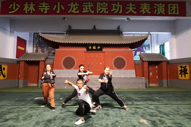 Private tour from Xi'an to Shaolin temple with Kongfu training 1 hour with lunch