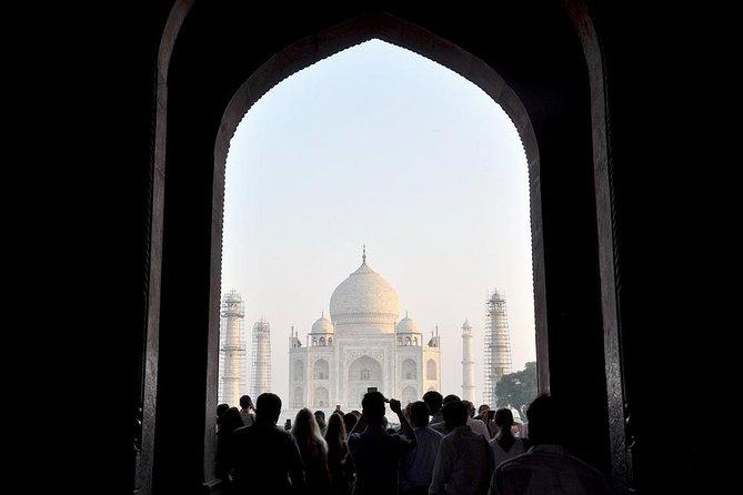 Agra: Taj Mahal Skip-the Line Entrance Ticket