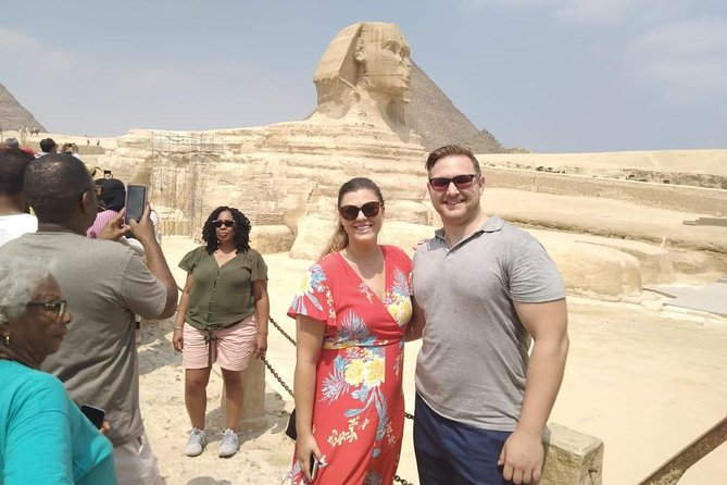Cairo layover tour to Giza pyramids and Sphinx