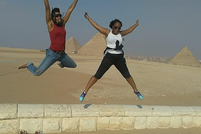 Cairo layover tour to Giza pyramids,Sphinx and Egyptian museum