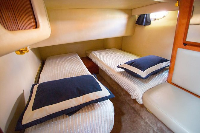 5-Hour Private 42' Sea Ray Yacht 2-Stop Tour w/ Food, Open Bar & Snorkeling