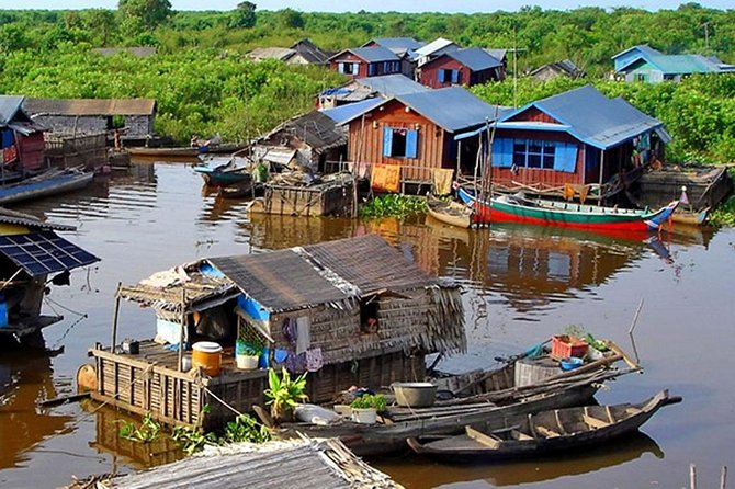 Kompong Phluk and Tonle Sap Lake Cruising Tour from Siem Reap
