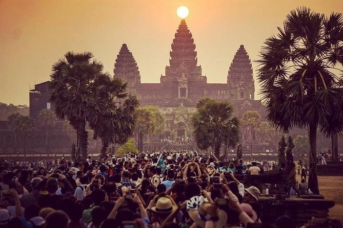 Solopgang ved templerne i Angkor Small Group Tour