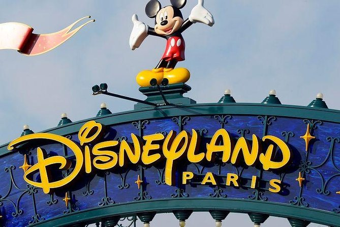 Private transfer between Charles de Gaulle Airport and Disneyland