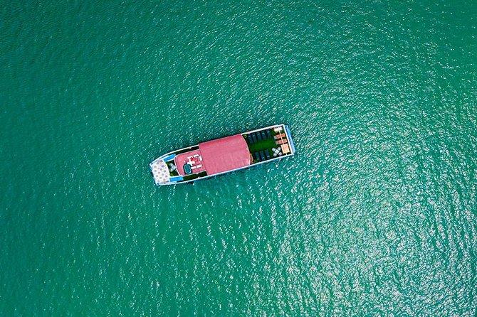 Lan Ha bay & Halong bay Cruise Day Trip: Kayaking & Swimming at pristine places