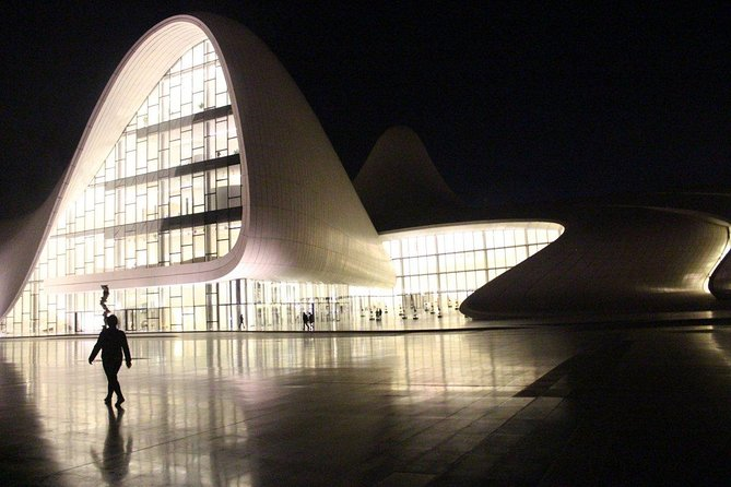 Night Baku tour(Uphill park, Boulevard, Heydar Aliyev Center)