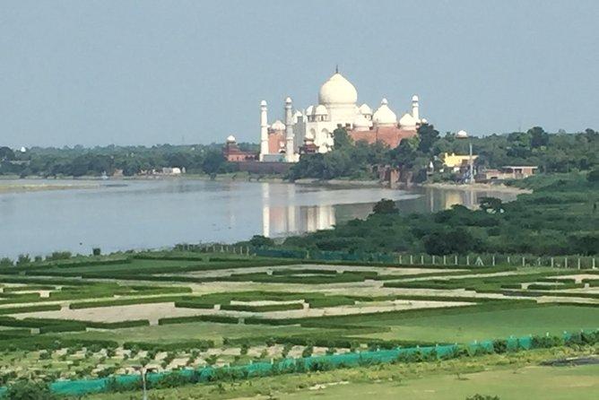 Taj Mahal Private Sunrise Tour from Delhi Including Guide Breakfast & Entrance