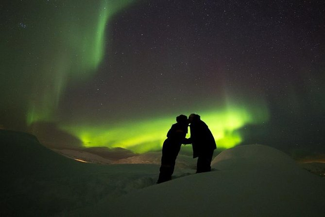 Northern Lights with Private guide in Rovaniemi by LUX car