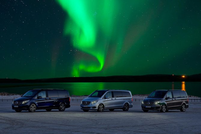 Lets finde Northern Lights in Rovaniemi with PRIVATE guide by Luxury car