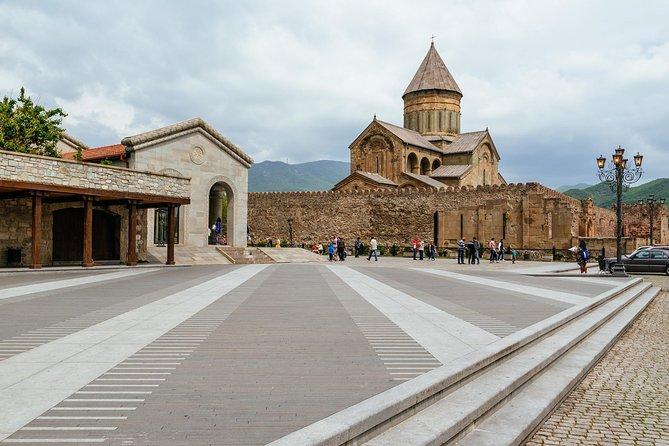 ツ ✌ Mtskheta Tour – 3 Different Eras! Jvari, Stalin Museum, Uplistsikhe
