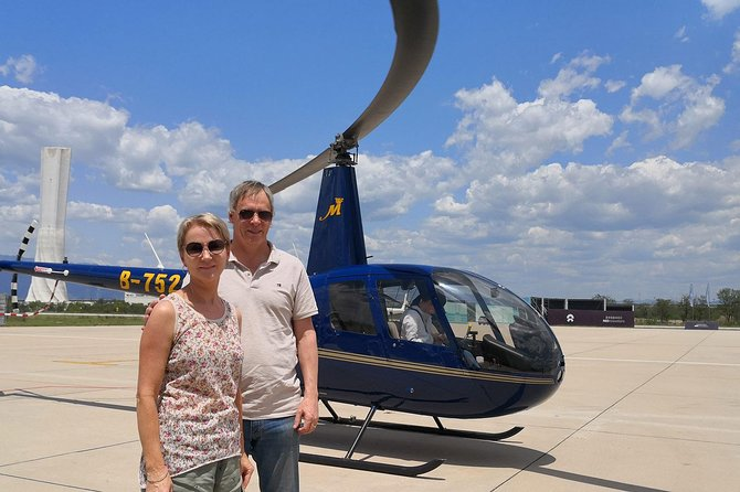 Great Wall Helicopter Day Tour at Badaling and Hiking at Mutianyu Great Wall