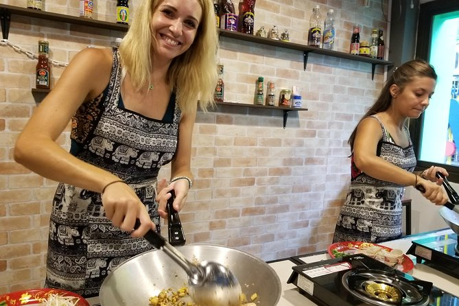 Thai cooking class with morning market tour at Silom photo 13
