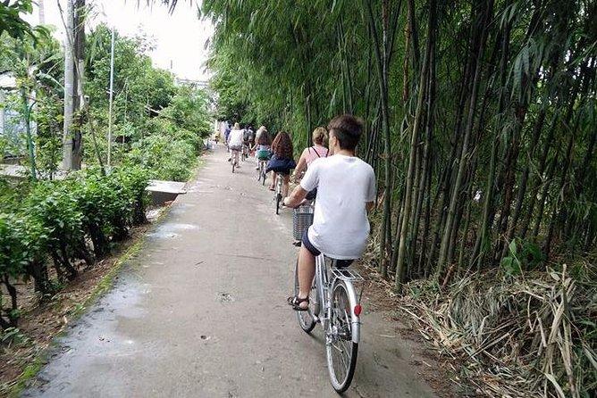 Duong lam- Bat Trang- Van phuc one day tour