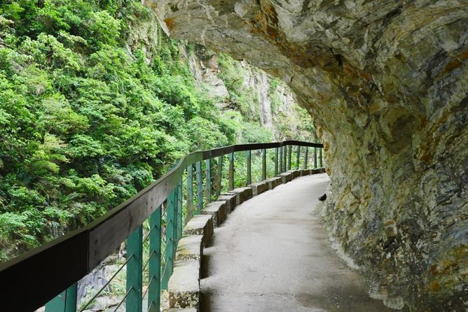 Taroko Gorge National Park Classic Full-Day Tour (Small group/Private options) photo 4