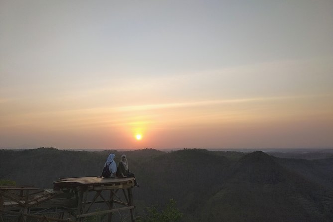 Sunrise and Jomblang Cave Tour
