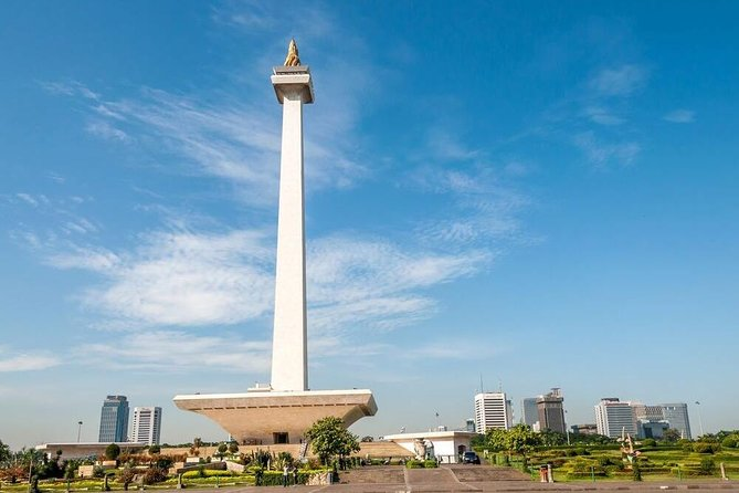 Private tour around the city of Jakarta with a guide