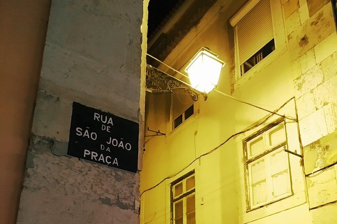 Private Tour: Traditional Fado Dinner Dinner and Panoramic Tour
