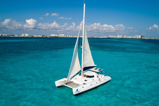 Private Isla Mujeres Catamaran Tour - Manta Boat - For up to 40 people