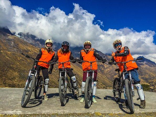 Inca Jungle Trail 4 Day to Machu Picchu, Biking, Rafting, Zipline and Hiking.