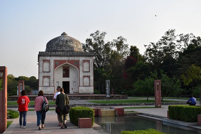 Delhi: Half Day Art, History & Architecture Tour with Coffee and Snack