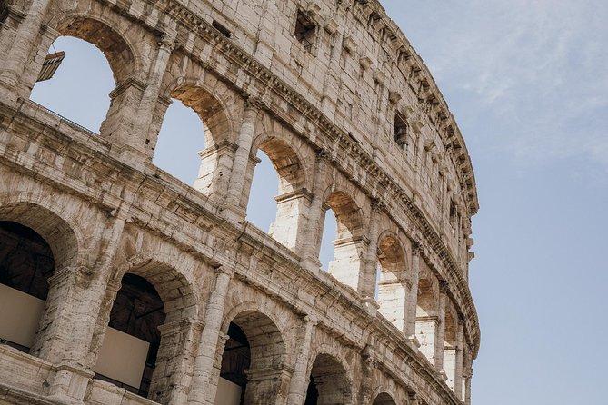 Grupos pequeños: acceso especial a la excursión por los palacios y el Coliseo de la antigua Roma