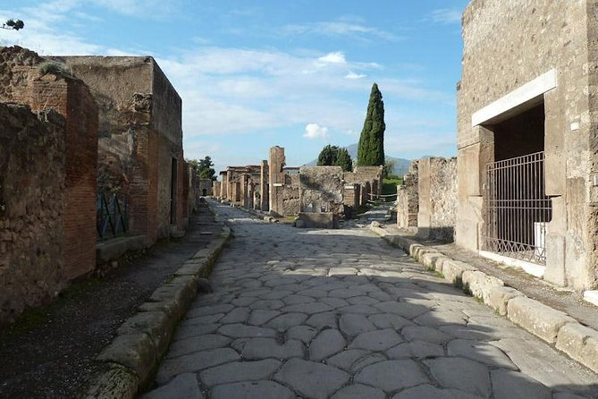 Transfer from Rome to Amalfi Coast with stop at Herculaneum-Skip the line included photo 4