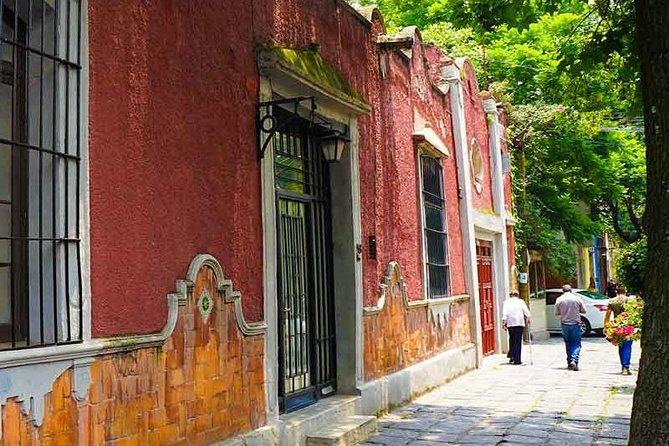 Private Tour to visit Coyoacan and Frida Kahlo Museum