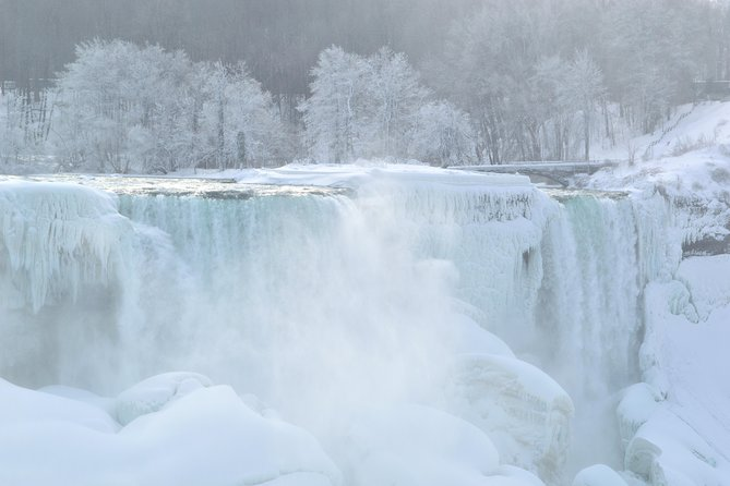Niagara Falls Canada Side Sightseeing Tour in Winter