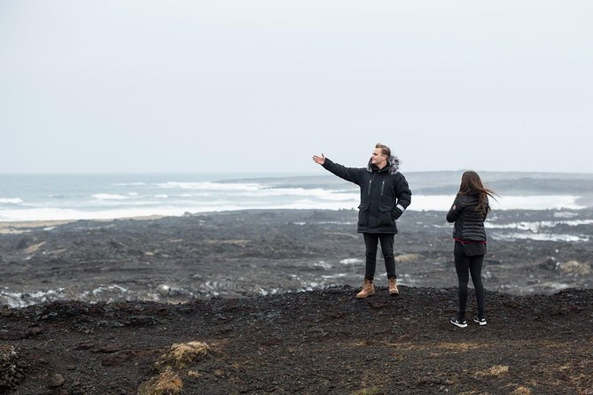 Luxury Private Airport Pick Up & Reykjanes Geopark
