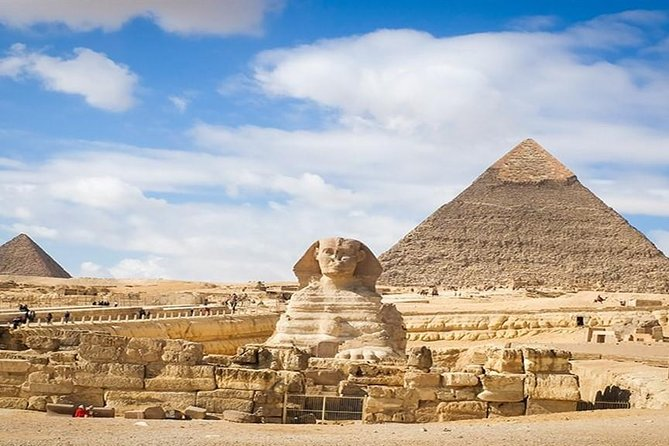 Tour of the Giza Pyramids and Egyptian Museum and Coptic Cairo