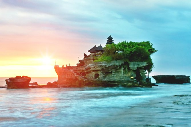 Enjoy Bali Temples, Antiques & Beautiful Sunset with Cocktails