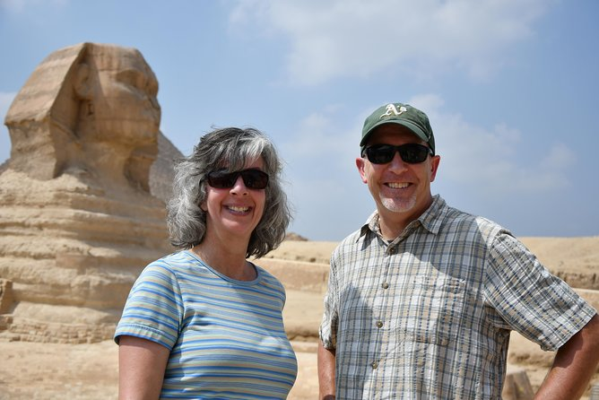 Private Tour: Pyramids, Sphinx, & Egyptian Museum from your hotel