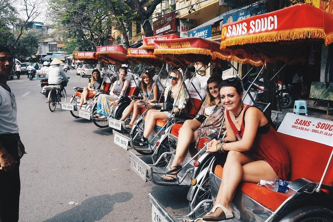 Hanoi City Tour 5 Hours ( 3 IN 1) : Cyclo- Walking Street Food Tour-Foot Massage