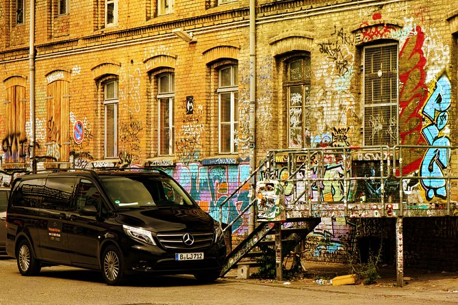 Graffiti Private City Tour with Vehicle and Photographer Guide