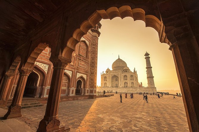 8 Days Private Golden Triangle tour with Ancient city Varanasi for Backpackers