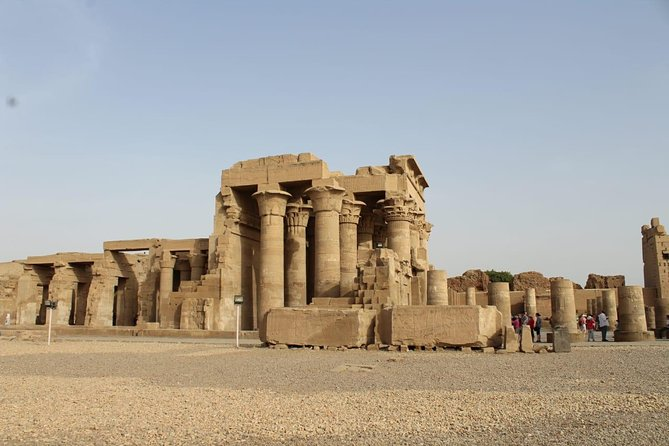 Private Transfer from Aswan to luxor with 2 stops in Komombo & Edfu Temples
