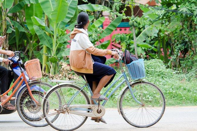 Cycling to Silk Island Tour