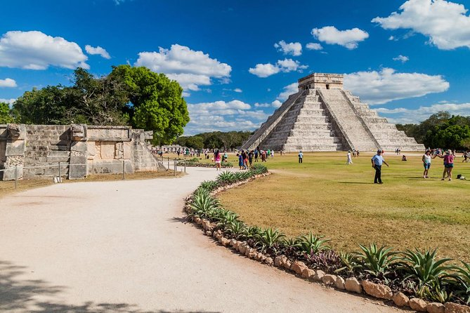 Chichen Itza Archaeological Site Tour from Merida