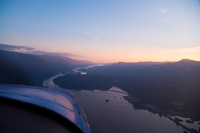 30-minute Multnomah Falls & Columbia Gorge Air Tour photo 4