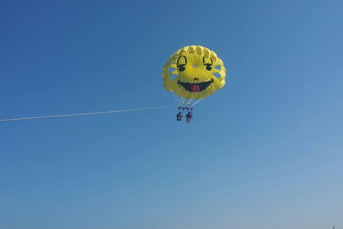 Parasailing Fly over the sea