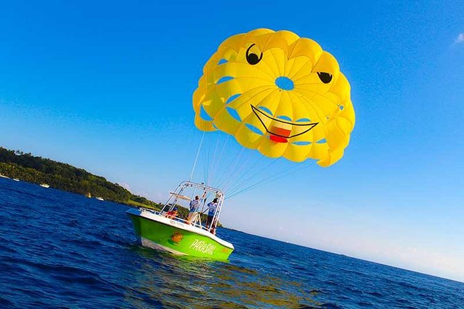 Best of Roatan Parasailing Adventure with Snorkel and Beach Excursion