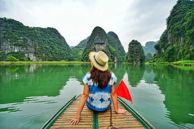 Luxury day trip visit Hoa Lu ancient capital - Mua peak cave & Tam Coc boat ride
