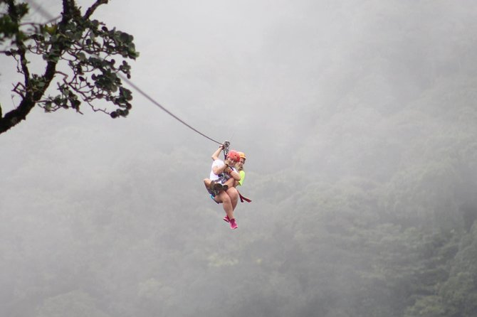 Combo tour: Hanging Bridges + Canopy Tour in the Cloud Forest of Monteverde