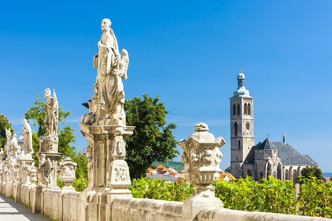 Kutna Hora UNESCO town & Sedlec 5 hrs by Skoda Superb /Mercedes Benz V /Sprinter